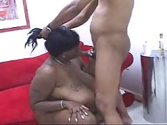 Hot black couple enjoys oral in 69