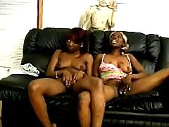Ebony sweetie satisfies hungry hunk